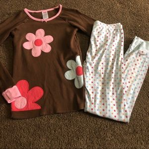 4/$20 Gymboree pajama set flower and polka dots